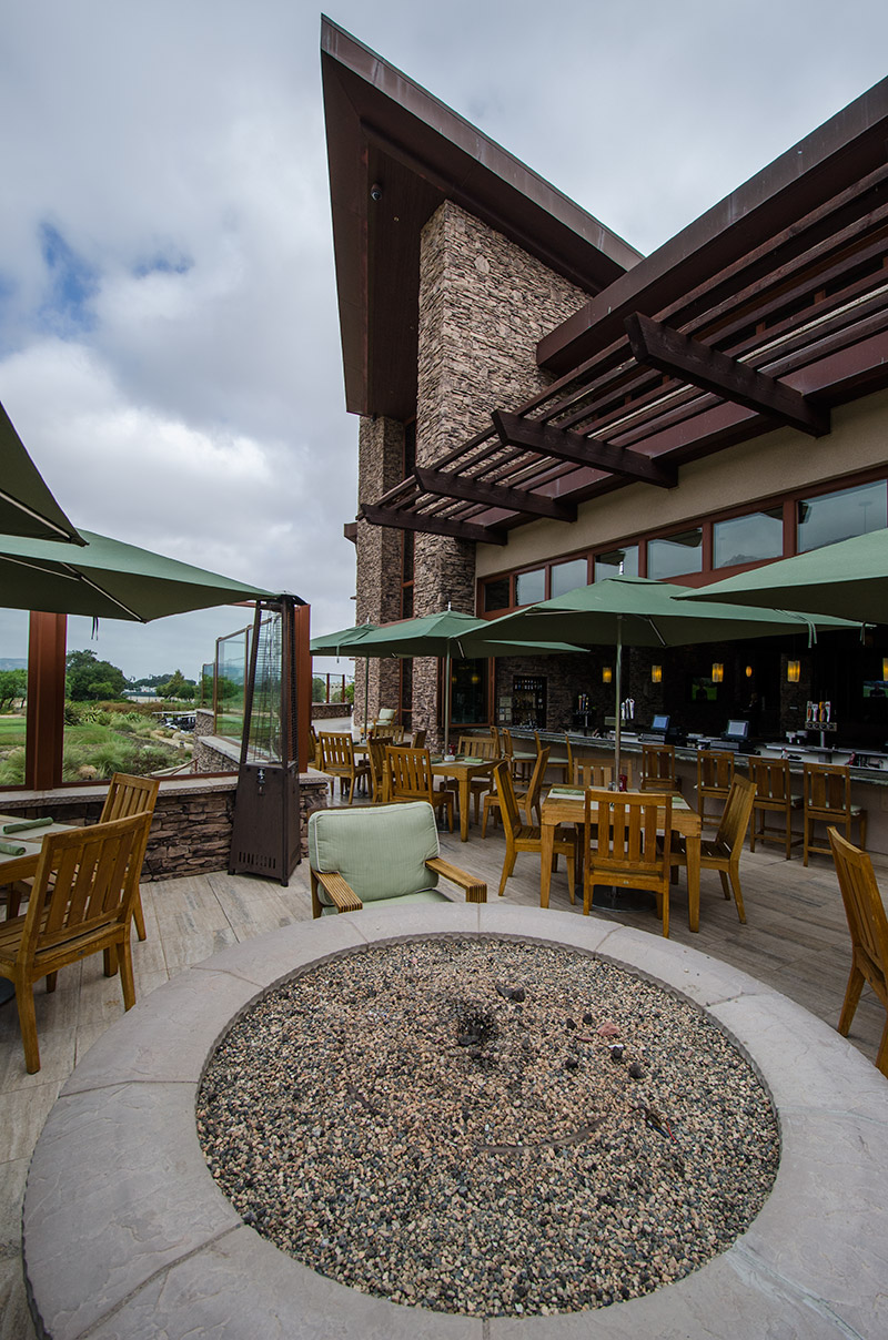 Pechanga clubhouse patio - looks like I want to be here this evening...
